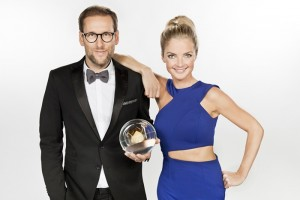 KRONE SHOOTING 07.10.2015 Simon Beeck und Tina Middendorf- Moderatoren der Show ©WDR/Annika Fußwinkel